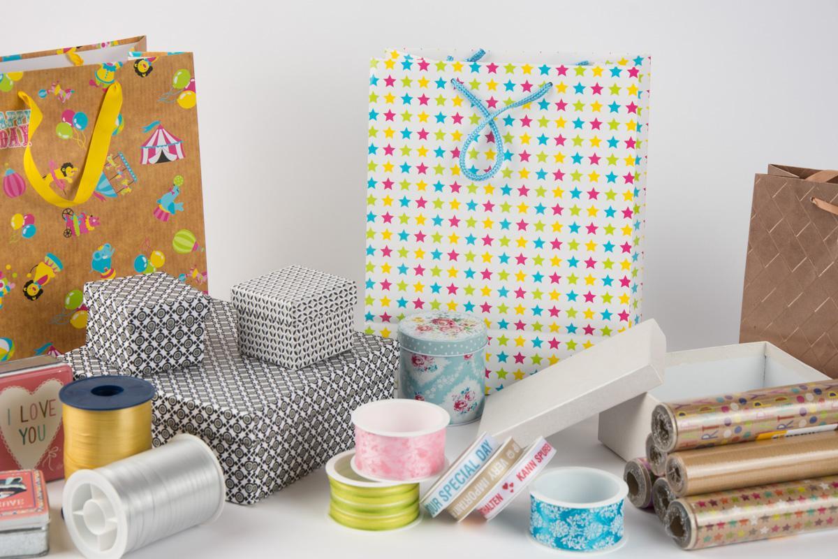 Geschenkverpackungen und Karten