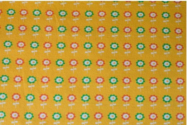 lillestoff bio jersey meterware blumen retro gelb stoffe zubeh r stoffe jerseystoffe. Black Bedroom Furniture Sets. Home Design Ideas